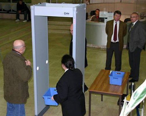 location vente portique de detection metaux tribunaux