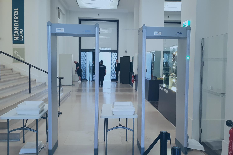 vente et installation de portique de sécurité détecteur de métaux